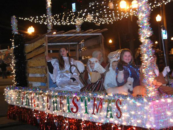 Downtown Suffolk Holiday Parade - Suffolk, VA - Dec 10, 2016