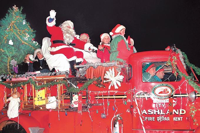 Garland City of the North Christmas Parade - Ashland, WI - Dec 02 ...